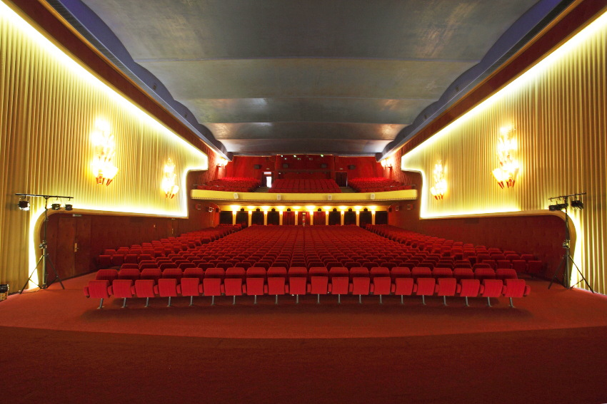 http://www.cinematheque.ch/fileadmin/user_upload/Projections/Evenements/galeries/cs-generiques/capitole7.jpg